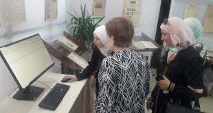 وفد من جمعية أصدقاء دمشق بزيارة لمعرض الدوريات القديمة