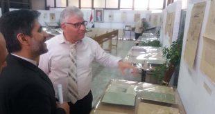زيارة الدكتور حميد رضا عصمتي المستشار الثقافي الإيراني بدمشق معرض الدوريات القديمة في مكتبة الأسد